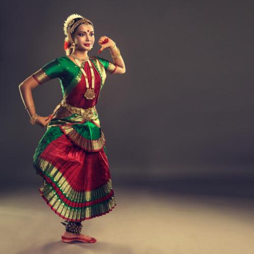 Mohiniyattam Classes by Shivya Raveendran V