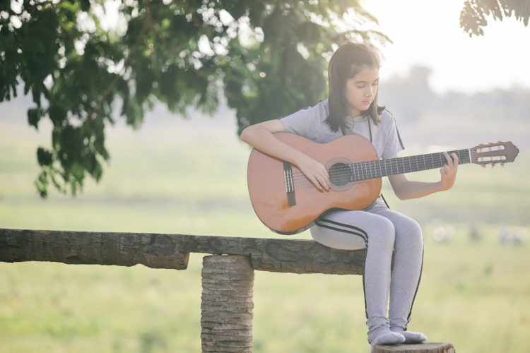 String Guitar Classes